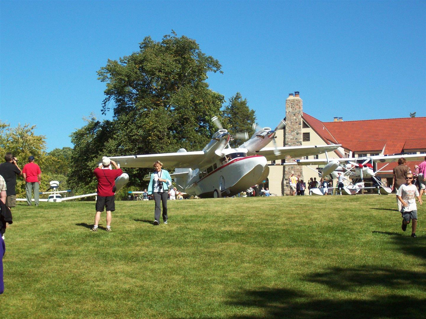 2007_indiana_seaplane_fly-in_016[1].jpg